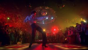 John-Travolta-in-La-febbre-del-sabato-sera-1977-di-John-Badham